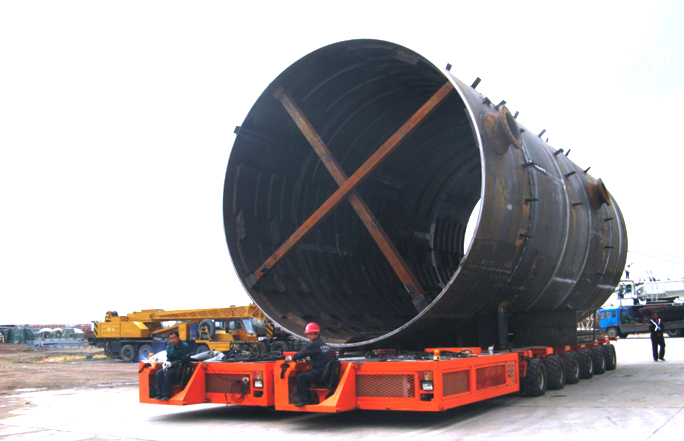 SELF-PROPELLED MODULAR TRANSPORTER(COUPLING USE)